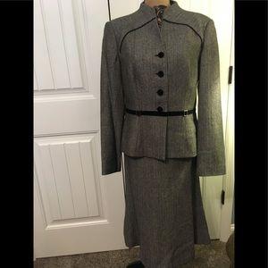 NWOT Amazing John Meyer Jacket & Skirt size 8